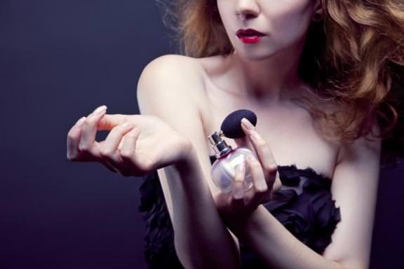 310403-les-10-parfums-mythiques-et-0x384-1