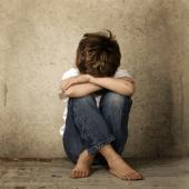 562a6_child-alone