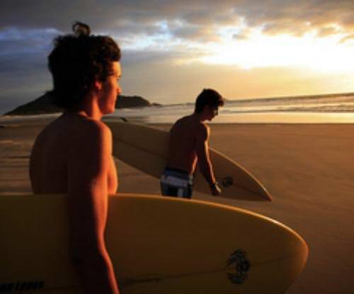 beach-guys-2