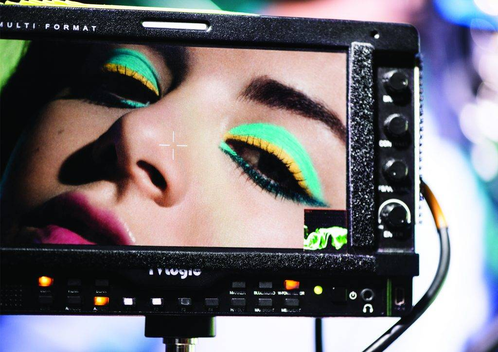 charlie XCX backstage make up for ever AQUA 2015 photo RANKIN makeup Andrew