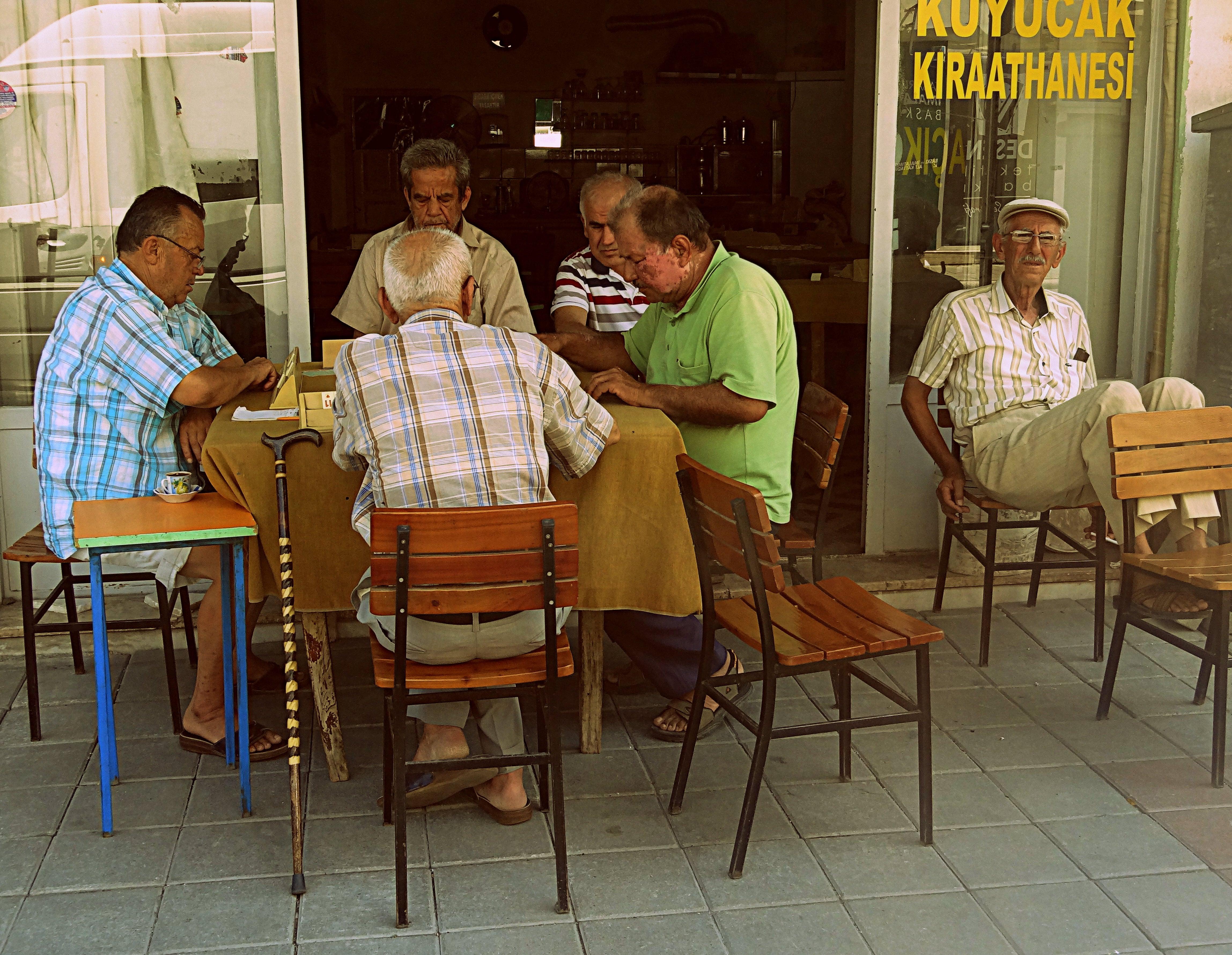 Café pour hommes Crédits alexdesourdy