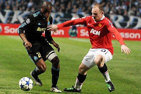 Du foot! Bien sûr, je devais mettre pour mon chum une photo de Manchester United (en rouge)!source: placepourtous.com
